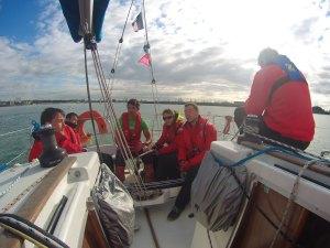 Temps de repos sur le bateau avant le départ - Trophée Mer de la CCE