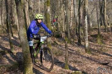 Mohamed à vélo en forêt
